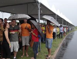 Ponto de ônibus Arena Pernambuco (Foto: Franco Benites)