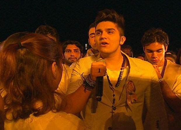 luan santana canta para o papa (Foto: Reprodução/GloboNews)