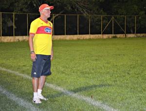 Márcio Bittencourt, treinador do Vilhena (Foto: Rogério Aderbal)