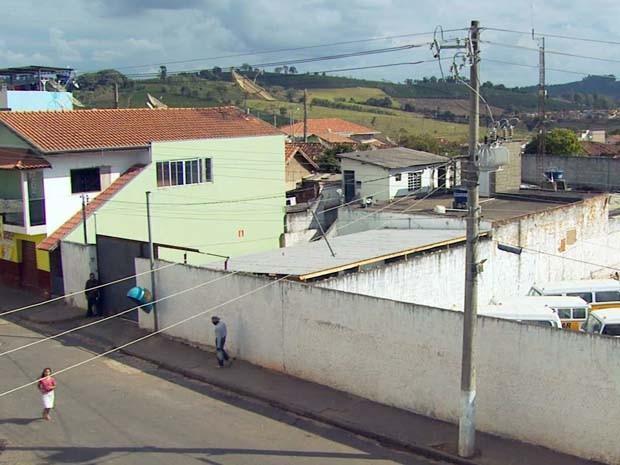 Polícia manda transferir presos de cadeia em Campestre (Foto: Reprodução EPTV)