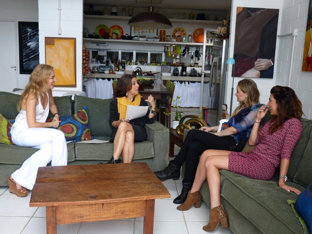 Claudia Lisboa analisa mapa astral das atrizes (Foto: Estrelas / TV Globo)