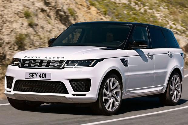 Range Rover PHEV pode ser recarregado na tomada (Foto: Divulgação)
