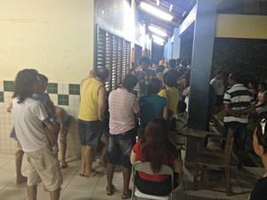 Eleitores estão demorando cerca de 5 minutos para votar  (Foto: João Paulo Maia/G1)