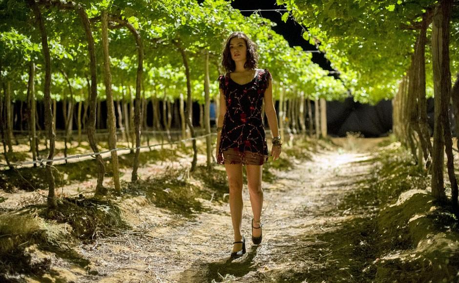 A atriz Isis Valverde é a jovem Antônia, estrela da minissérie de Amores Roubados (Foto: Estevam Avellar/Globo)