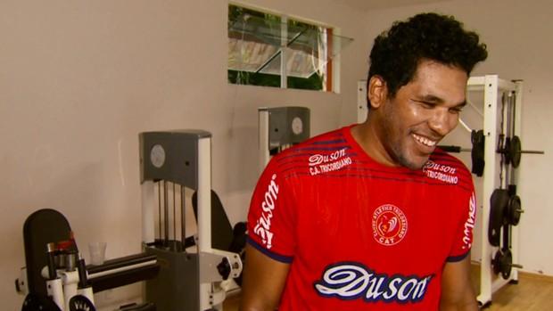 Reforço de peso do Tricordiano, Brandão promete usar experiência internacional a favor do clube