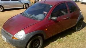 Casal é encontrado morto dentro de carro em parque de Porto Velho (Foto: Jenifer Zambiazzi/ G1)