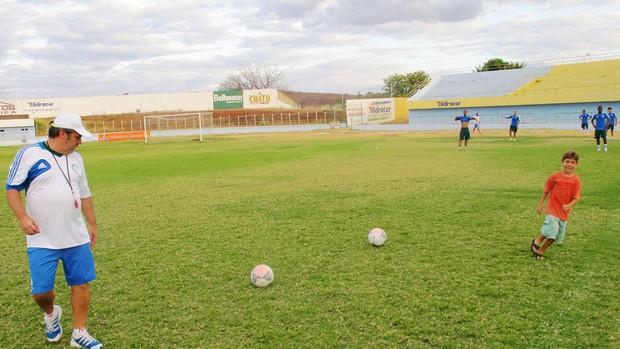 Gilson Kleina Treino Palmeiras Estádio Mirandão em Crato (Foto: Marcelo Hazan)