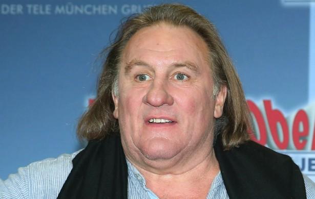O polêmico ator francês Gérard Depardieu, que também é dono de restaurantes e vinícolas, já escreveu o livro de receitas 'Gerard Depardieu: My Cookbook'. Mas, como se sabe, existe uma receita que ele detesta: a Receita Federal francesa, da qual Depardieu vem tentando escapar nos últimos anos. (Foto: Getty Images)