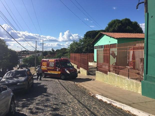 Corpo de Bombeiros foi acionado para ajudar no resgate de feridos (Foto: Aline Santos/TV Clube)