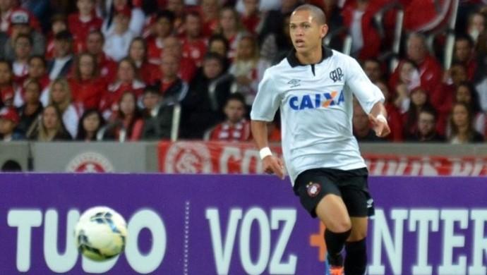 Marcos Guilherme, meia do Atlético-PR (Foto: Site oficial do Atlético-PR/Divulgação)