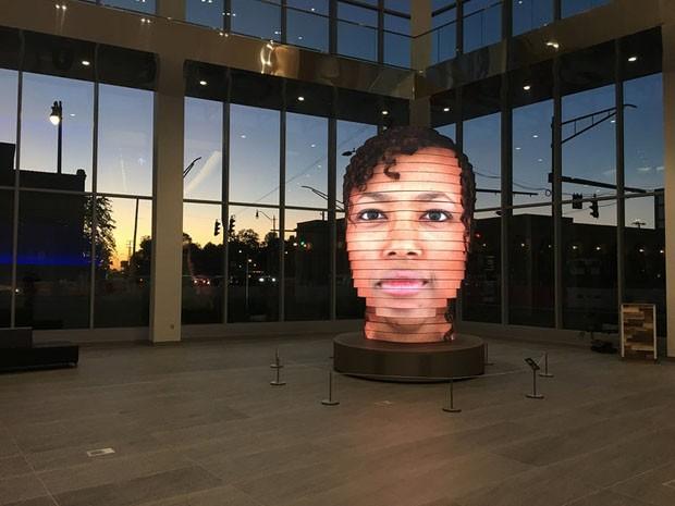 Escultura digital faz sucesso ao reproduzir o rosto dos visitantes em 3D (Foto: Divulgação)