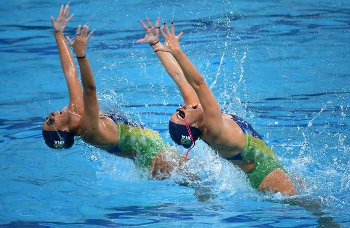 Maria Eduarda Miccuci e Luisa Borges, dueto brasileiro do nado sincronizado (Foto: André Durão)