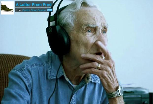Fred se emociona ao ouvir a gravação da música que fez para a esposa (Foto: Reprodução)