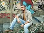Rafael Cardoso comemora sucesso de Vicente nas redes sociais