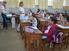 Educação no trânsito é ensinada em sala de aula, para alunos de Cacoal
