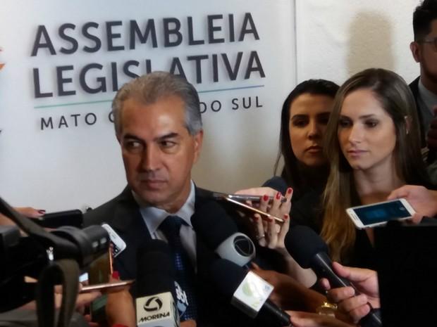 Governador Reinaldo Azambuja reiterou na mensagem de abertura do legislativo a prioridade a reforma previdenciária e ao limite dos gastos públicos em 2017 (Foto: Anderson Viegas/G1 MS)
