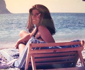 Eu, Ruth, em 1990, numa praia ao Sul da França, quando era correspondente de Fórmula-1 para o Jornal do Brasil (Foto: Album pessoal)