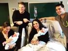 Gêmeas dão à luz com 6 minutos de intervalo nos EUA