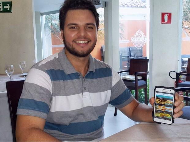 Aplicativo de reservas oferece comodidade e descontos aos clientes (Foto: Fredson Navarro / G1)