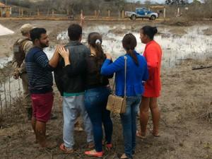 Suspeitos retornaram ao local do crime, foram vistos por policiais, mas conseguiram fugir (Foto: Reprodução/Blog do Léo Santos)