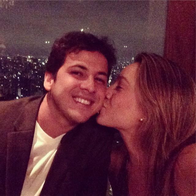 Fernanda Gentil e o marido, Matheus Braga (Foto: Reprodução ...