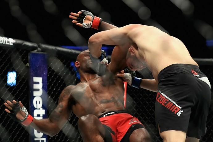 Volkan Oezdemir x Jimi Manuwa UFC 214 (Foto: Getty Images)
