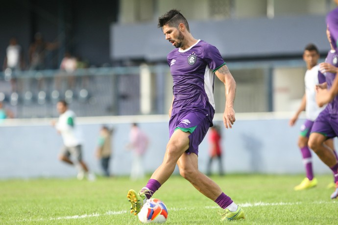 Marco Goiano durante treino no Remo (Foto: Everaldo Nascimento/O Liberal)