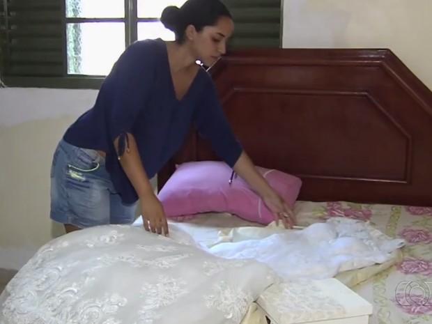 Estudante é roubada pouco depois de sua festa de casamento, em Goiânia, Goiás (Foto: Reprodução/TV Anhanguera)