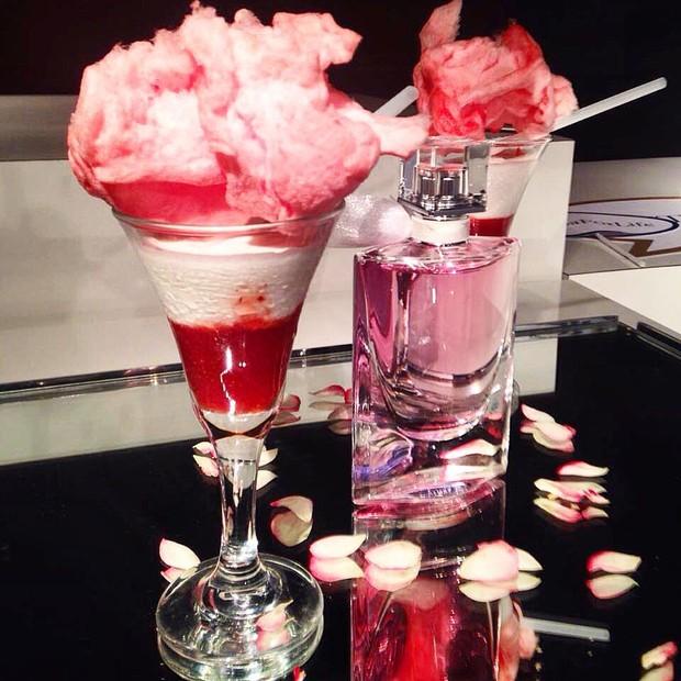 Rosa: champagne citrus com calda de morango e algodão doce (Foto: Divulgação/ Rojo Criatividade Gourmet)