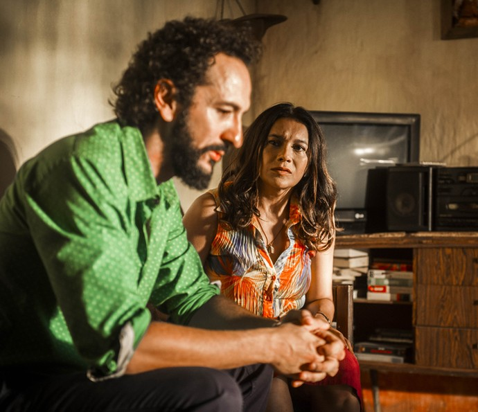 Beatriz aconselha Bento a se unir com Martim (Foto: João Miguel Júnior)
