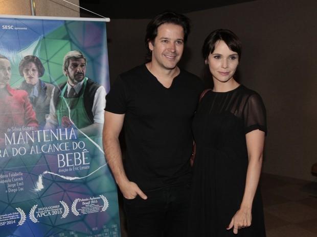 Murilo Benício e Débora Falabella em estreia de peça na Zona Sul do Rio (Foto: Isac Luz/ EGO)
