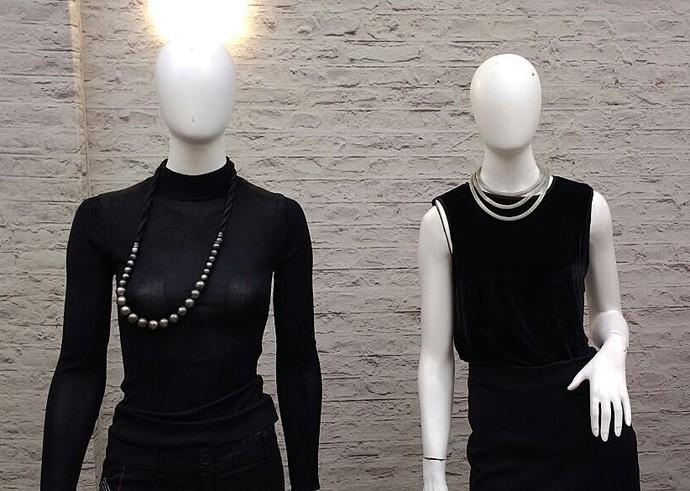 Cada tipo de decote exige um colar diferente para equilibrar o look (Foto: Carolina Berger/Gshow)
