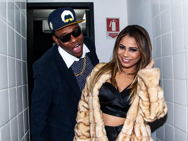 MC Sapão e Lexa em show em São Paulo (Foto: Foto Rio News)