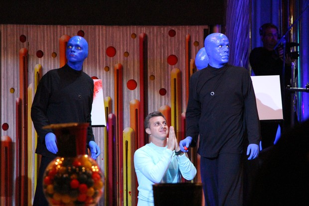Huck com Blue Man Group (Foto: Caldeirão do Huck / TV Globo)