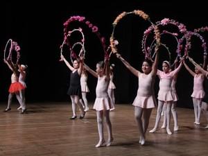 Estão abertas vagas para oficinas de ballet, circo, dança e teatro em Paranavaí (Foto: Fundação Cultural de Paranavaí/ Divulgação)