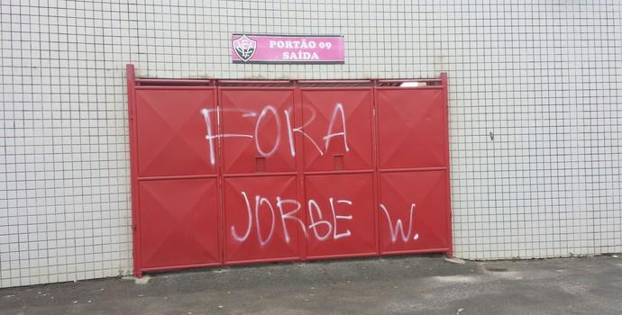 pichação Vitória  (Foto: Thiago Pereira)