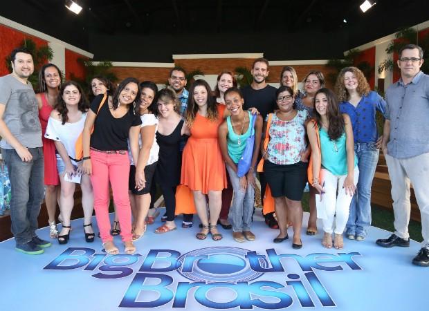 Os escolhidos: 17 jornalistas foram convidados a passar algumas horas confinados na casa (Foto: João Cotta/Ed.Globo)