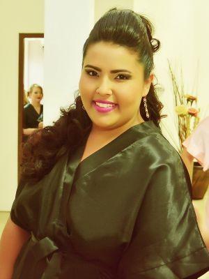Modelo plus size Beatriz Regina, de 20 anos, pesa 110 kg e veste tamanho 52  (Foto: Arquivo pessoal )