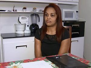 Desempregada há 5 meses, Milene tenta uma vaga de temporária (Foto: Felipe Lazzarotto/EPTV)