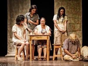 """Peça """"De Sol a Sol"""" é baseado na obra Vidas Secas, de Garaciliano Ramos (Foto: Caio Andrade/Divulgação/Sesc)"""