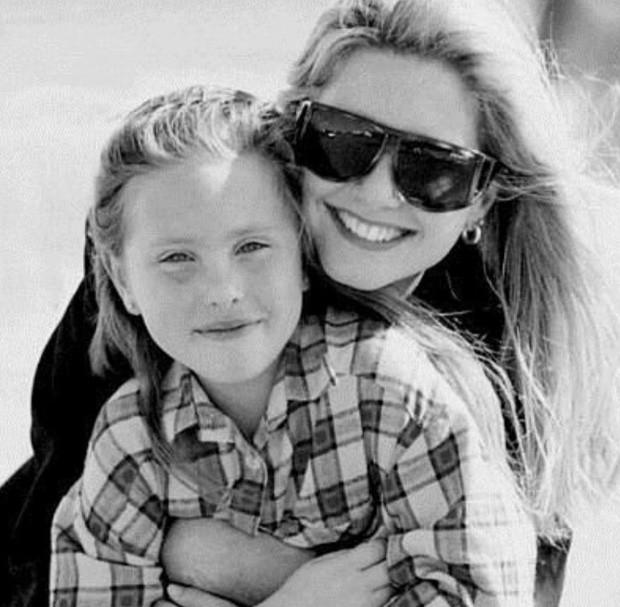 Olivia Newton-John e a filha, Chloe Lattanzi (Foto: Reprodução/Instagram)