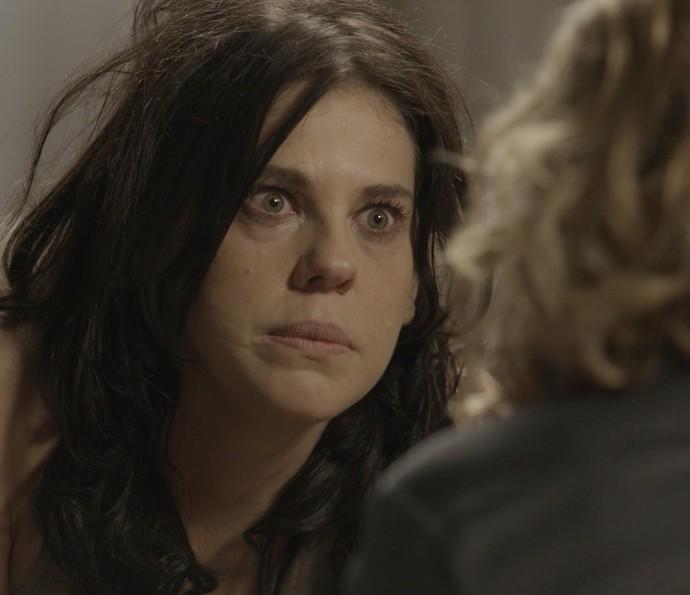 Nelita jura que esteve com Kiki (Foto: TV Globo)