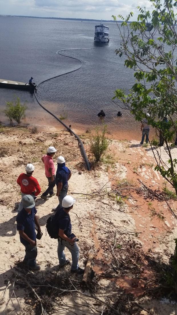 Projeto Amazônia Conectada implanta cabos de fibra ótica a rios da Amazônia para levar internet de alta velocidade à região. (Foto: Divulgação/Amazônia Conectada/Exército Brasileiro)