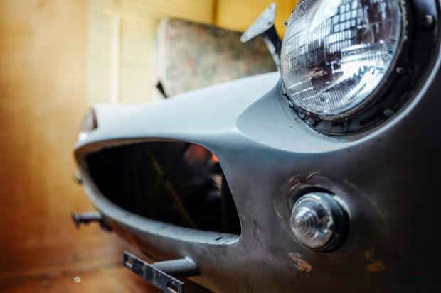 Quase todos os detalhes da Ferrari foram preservados, mas uma restauração será necessária (Foto: Reprodução/Petrolicious)