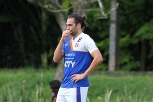 Léo Gamalho Santa Cruz (Foto: Aldo Carneiro / Pernambuco Press)