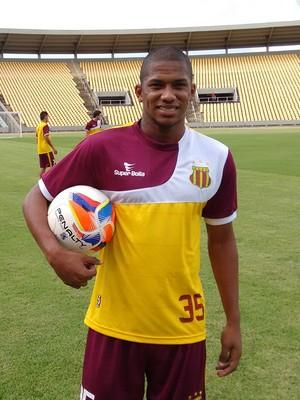Bruno Moura ganha vaga de Damião, que teve lesão muscular (Foto: Afonso Diniz/GloboEsporte.com)