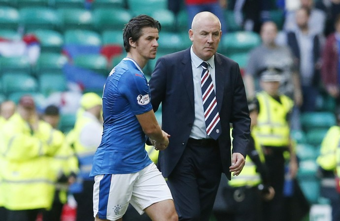 Joey Barton e Mark Warburton, Celtic x Rangers (Foto: Reuters / Russell Cheyne )