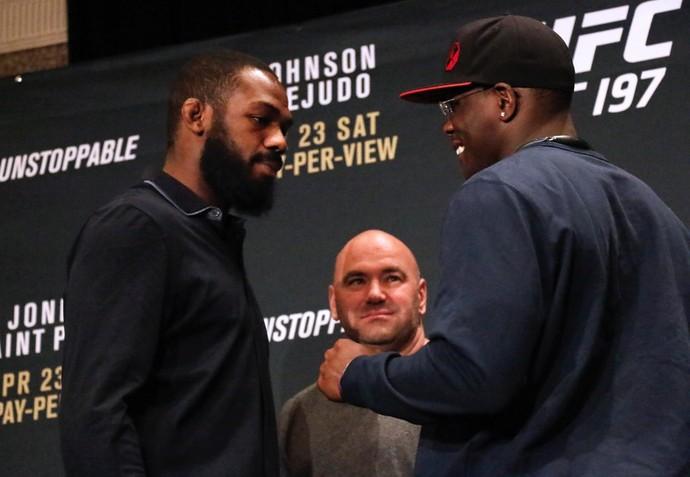 Encarada Jon Jones Ovince St-Preux UFC 197 (Foto: Evelyn Rodrigues)