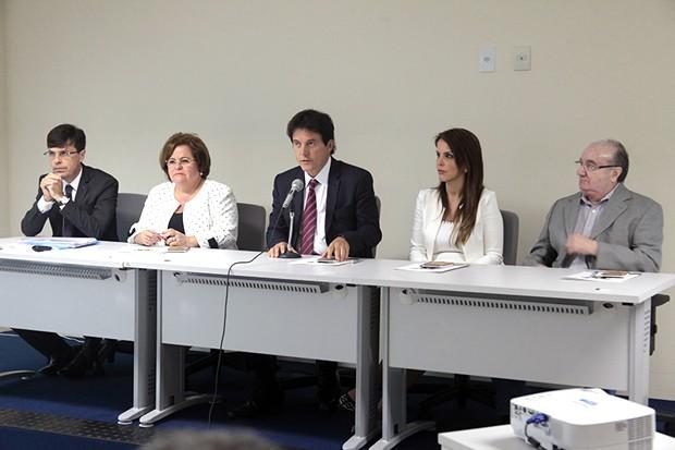 Relatório com diagnóstico fiscal foi apresentado nesta quarta-feira (14) pelo governador Robinson Faria (Foto: Ivanízio Ramos)