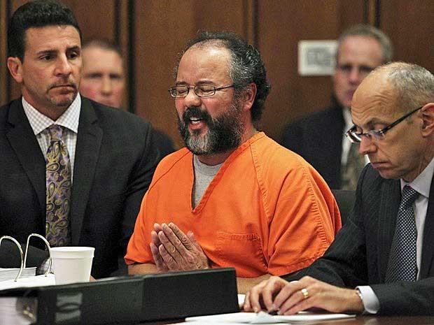 Ariel Castro, que manteve três mulheres em cativeiro por mais de uma década, em Cleveland, EUA, foi condenado à prisão perpétua. (Foto: Arquivo / Aaron Josefczyk / AP Photo)